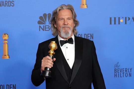 Jeff Bridges oznámil, že mu diagnostikovali lymfom. Herec zahájil léčbu.