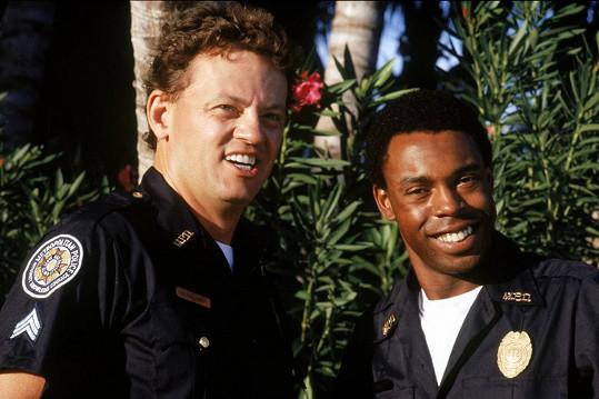 David Graf a Michael Winslow jako Eugene Tackleberry a Larvell Jones ve filmu Policejní akademie 5: Nasazení: Miami Beach