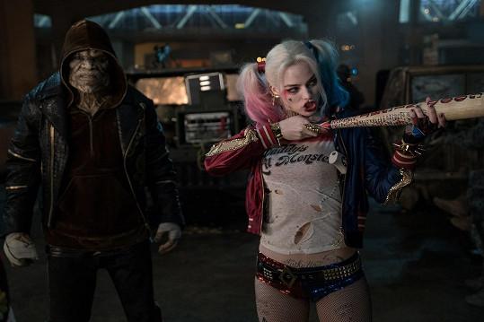 Margot Robbie jako Harley Quinn ve filmu Sebevražedný oddíl