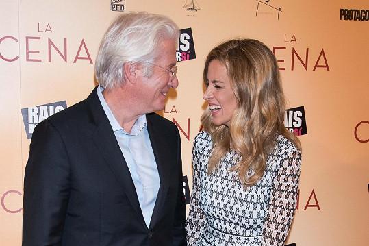 Richard Gere s manželkou Alejandrou