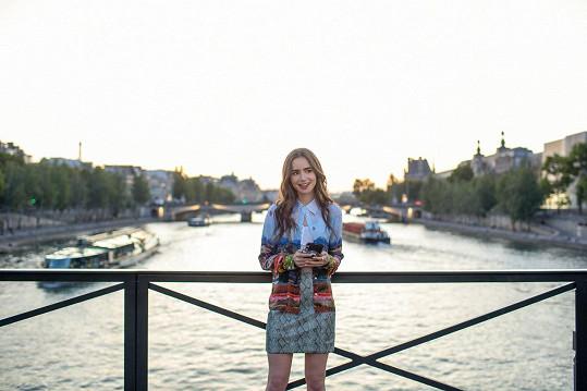 Jméno Lily Collins bylo v posledním roce skloňované především s její rolí v seriálu Emily v Paříži.