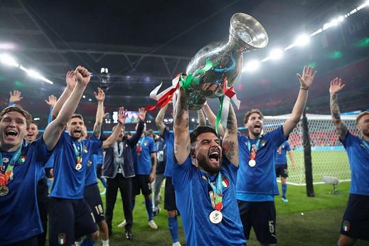 Italové ve finále Eura porazili Anglii až na penalty.