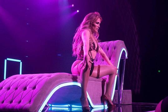 Jennifer Lopez vydělala slušných 1 071 036 000 korun.