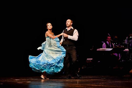 Je nadaným tanečníkem, loni zvítězil v Roztančeném divadle.
