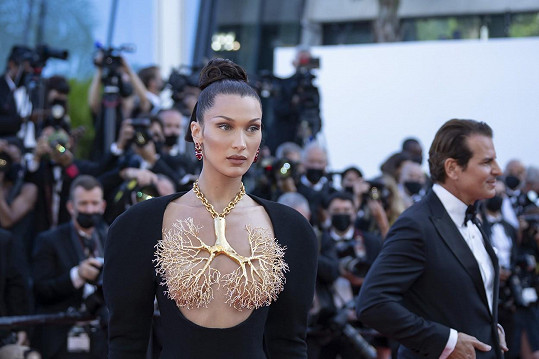 Bella Hadid na sebe upozornila originálním modelem.