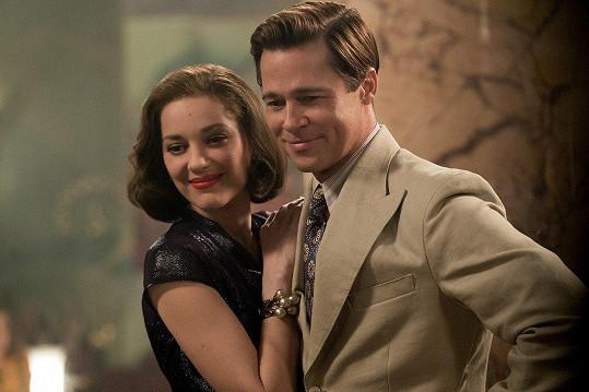 S Bradem Pittem ztvárnili pár ve špiónském dramatu Spojenci (2016)