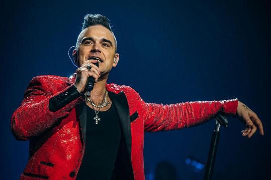 Robbie Williams na sobě pocítil příznaky nemoci Covid-19.
