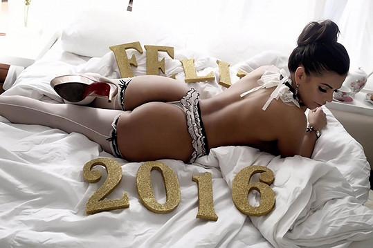 Takhle Suzy přeje vše nej do roku 2016.