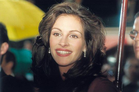 Pokud má nějaká herečka tak výrazná a velká ústa, nelze si ji nezapamatovat. Což Julii ze začátku její kariéry jistě dost pomohlo jak u diváků, tak hlavně u producentů.