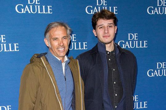 Belmondův syn Paul z prvního manželství se synem (a Belmondovým vnukem) Giacomem.