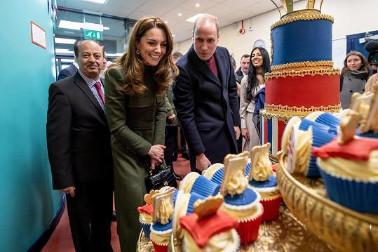Na vévodu a vévodkyni z Cambridge čekalo v Bradfordu sladké překvapení.