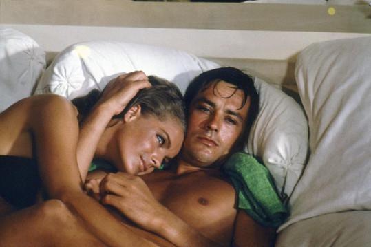 Romy Schneider se svou nenaplněnou životní láskou Alainem Delonem ve filmu Bazén z roku 1969