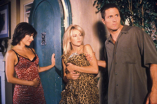 Zleva Lisa Rinna, Heather Locklear a Rob Estes v seriálu Melrose Place