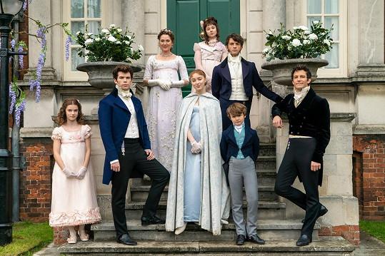 Jaké osudy čekají na sourozence Bridgertonovy? Druhá řada se zaměří na život Anthonyho (vpravo nahoře).