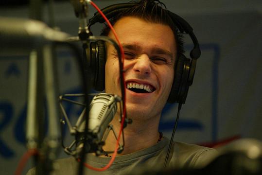 Leoš je v rádiu jako doma.