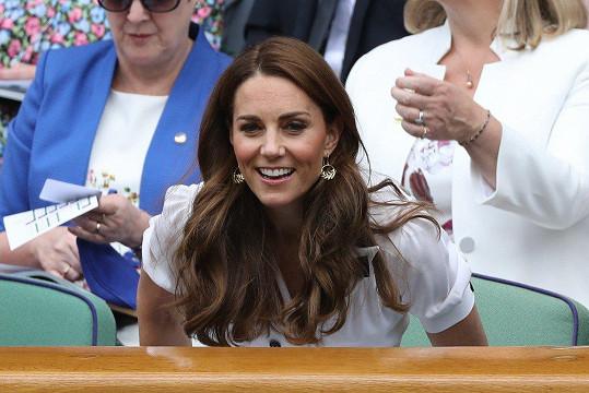 Ani vévodkyně z Cambridge neodolala zápasu slavné Sereny Williams.
