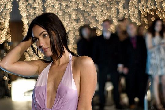 Zaskakovala například za Megan Fox ve filmu Jak se zbavit přátel a zůstat úplně sám.