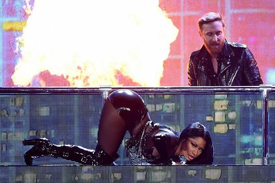 Nicki Minaj se na předávání Billboard Music Awards 2017 spolehla na svou pověstnou zadnici.