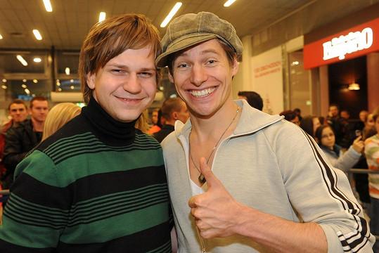 Thomas Puskailer se proslavil v SuperStar 2009. Na snímku s pozdějším vítězem Martinem Chodúrem