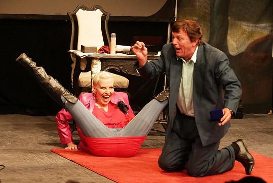 Pavel Trávníček a Kateřina Kornová se potkali na divadelním jevišti.