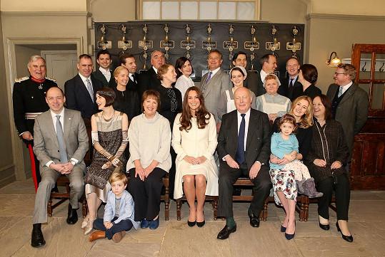 Společná fotografie s herci ze seriálu Panství Downton