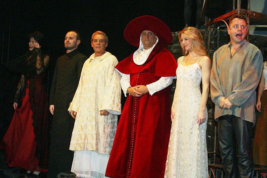 Představení před lety hrála i s Petrem Mukem.