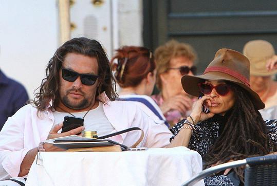 Jason s manželkou Lisou Bonet