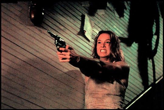 Jednu z prvních rolí ztvárnila v hororu Masakr v Texasu (1994)