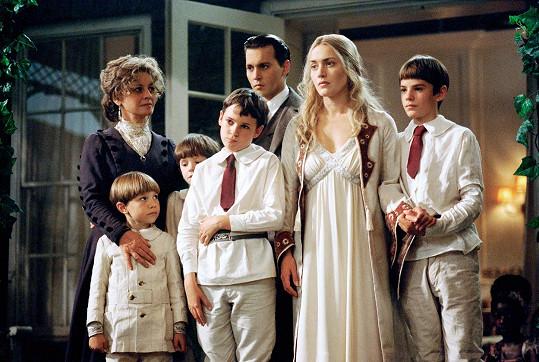 V tomto snímku hrála i Kate Winslet a Freddie za svou roli získal několik cen.
