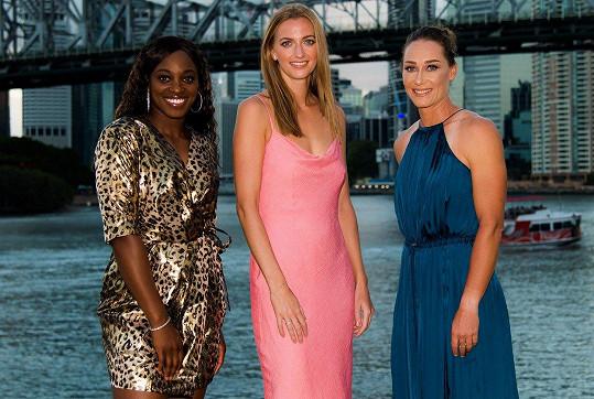 Tenistky Sloane Stephens, Petra Kvitová a Samantha Stosur pózovaly v šatech (zleva).