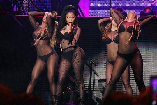 Vystoupení Nicki Minaj nikdy nejsou jen hudebním zážitkem...