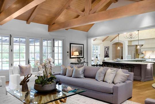 O vkusný interiér se podle požadavků Kim postaral architekt s designérem.