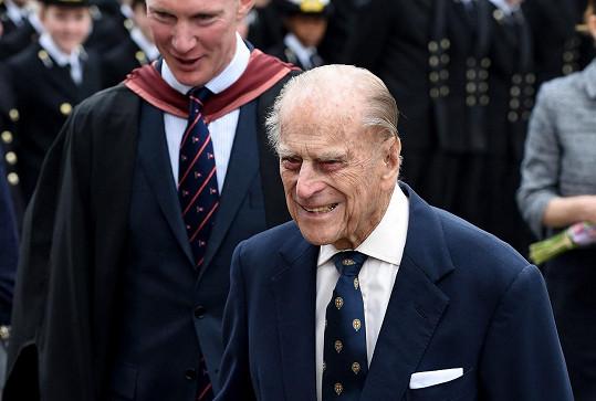 S vévodou se může přijít rozloučit jen 30 nejbližších.