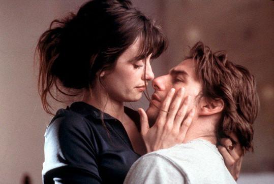 Při natáčení Vanilkového nebe (2001) se sblížila s Tomem Cruisem.