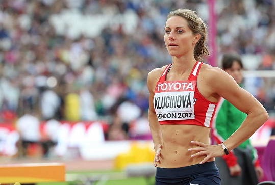 Jeho partnerkou je atletka Eliška Klučinová.
