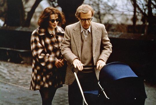 Helena Bonham Carter přirovnala líbání Woodyho Allena ve filmu Mocná Afrodité k líbání Berlínské zdi.