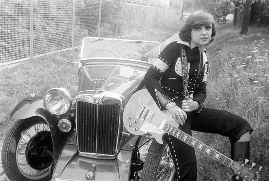 Takhle vznikaly fotky na obal prvního studiového alba Motorest v roce 1978.