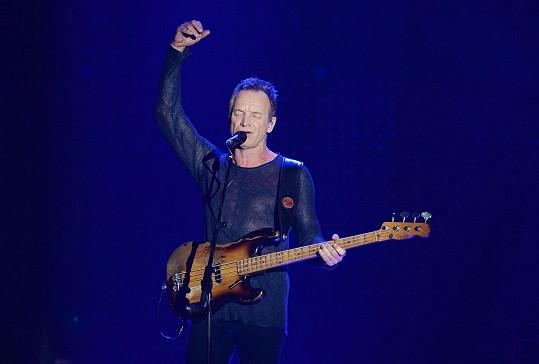 Sting na udílení rozhlasových cen i zazpíval.