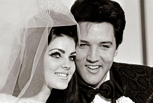 Elvise si brala v roce 1967 v Las Vegas.