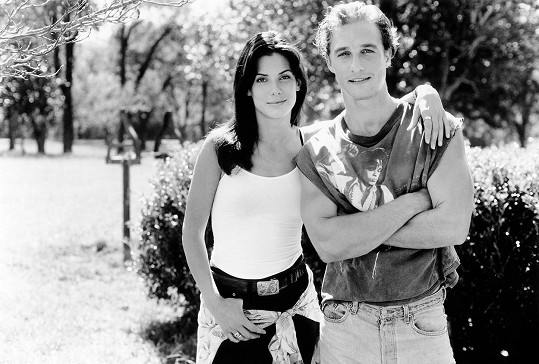 Matthew McConaughey a Sandra Bullock jsou si dodnes blízcí.