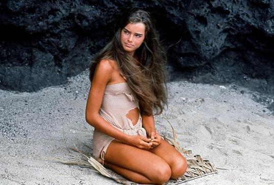 Ve filmu Modrá laguna si zahrála v 15 letech.