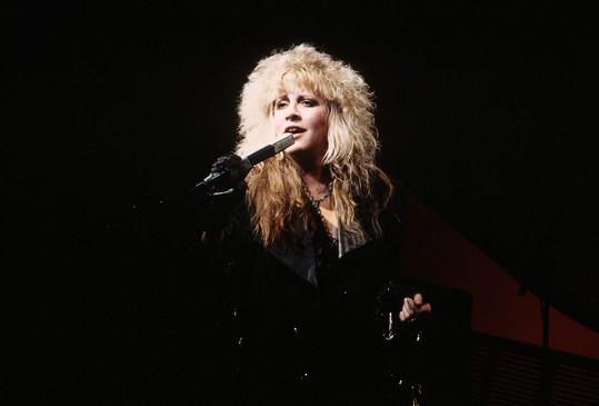Takhle na pódiu řádila před 30 lety.