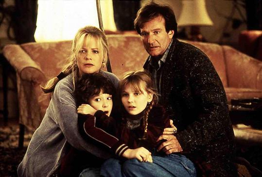 Bonnie Hunt, Bradley Pierce, Kirsten Dunst a Robin Williams v úspěšném filmu Jumanji (1995)