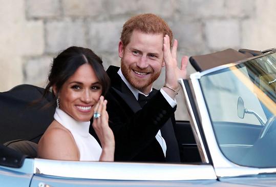 Princ Harry s manželkou Meghan ve svatební den
