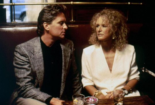 Glenn Close s Michaelem Douglasem ve filmu Osudová přitažlivost (1987)