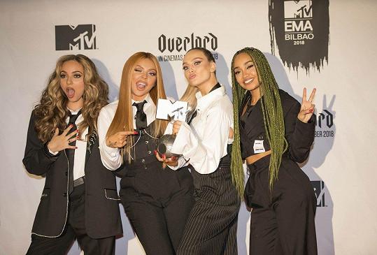 Little Mix nabírají na stále větší popularitě.