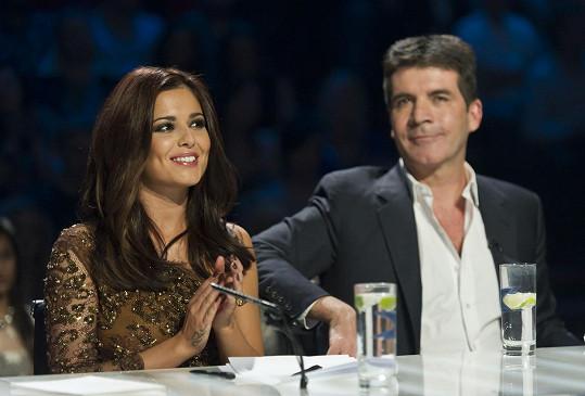 Cheryl Cole a Simon Cowell byli tehdy z vystoupení Ariel naprosto konsternovaní. Zpěvačka teď zemřela.