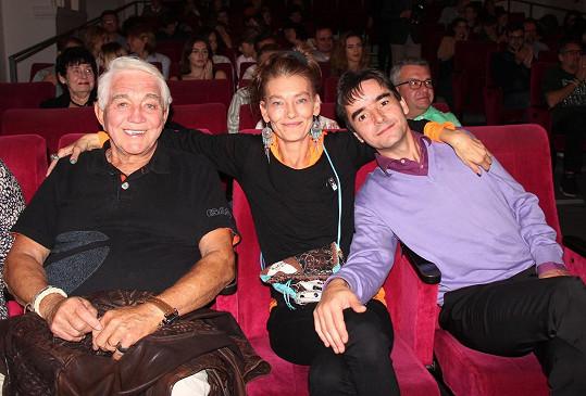 Jiří Krampol, Monika Kvasničková, provdaná Foris, a její manžel a producent Pino Foris.