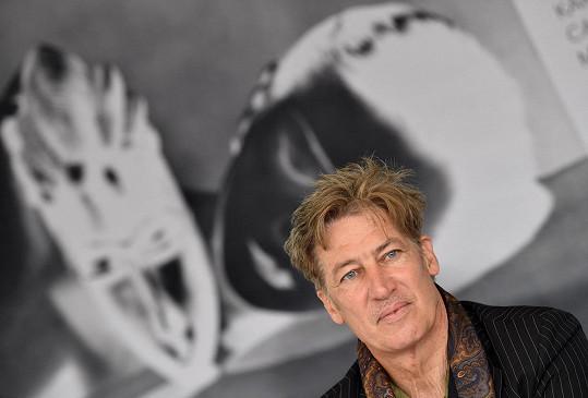 Herec má na kontě na osm desítek převážně televizních filmů a věnuje se divadlu.