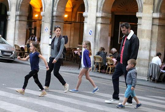 Ben s Jennifer a jejich dětmi.